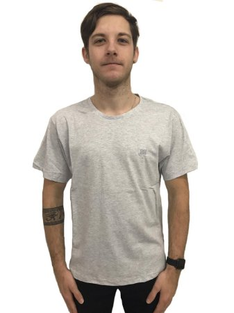 Camiseta Algodão Manga Curta Bordada