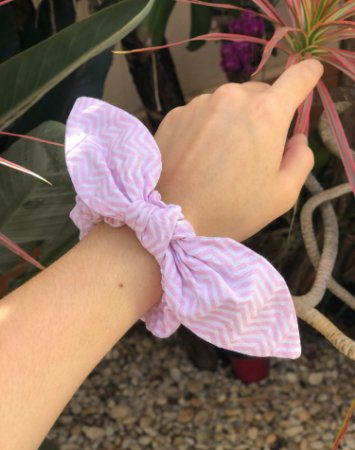 Scrunchie - Tricoline - Zigzag Rosa Claro