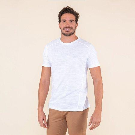 Camiseta Masculina Com Recortes