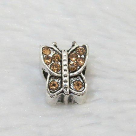 Berloque passante, borboleta, pedra laranja, prateado