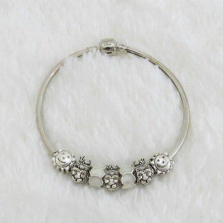 Pulseira prateada bracelete 21cm + 7 berloques, love, off white - REF P209