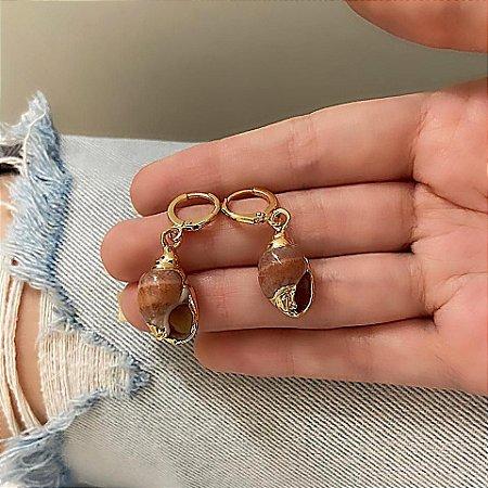 Brinco mini argolinha, amanda, caramujo, mógno, dourado - REF B823