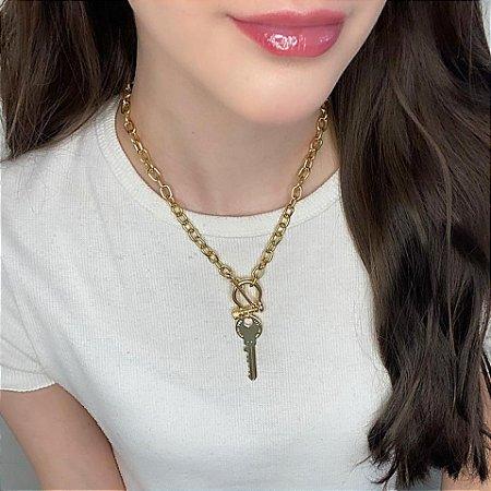 Colar curto, elo, chave, dourado - REF C093