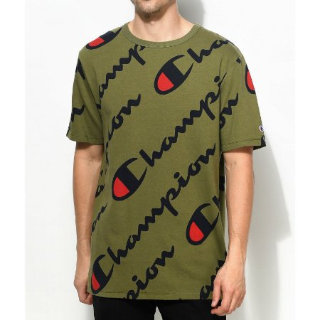 Camiseta Champion Heritage All Over Script Olive Green