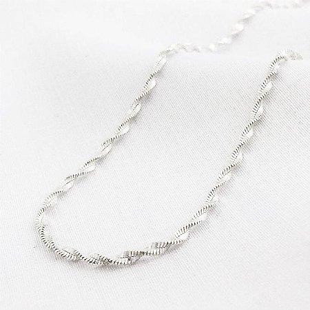 Corrente Prata Torcida de 1,5 mm com 45 cm