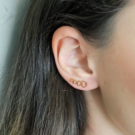 Brinco Ear Cuff de Corações Banhado a Ouro 18k