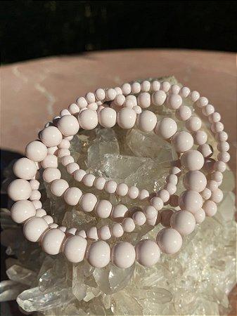 Conjunto de pulseiras de esferas de vidro (tipo murano) diversos tamanhos cor rosè.