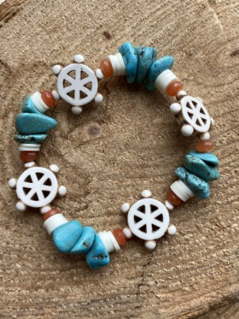 Pulseira mista de  pedras turquesa, turquesa branca e borrachinhas indianas branca