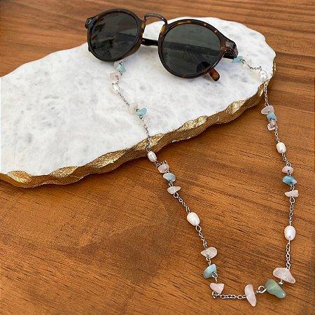 Cordão de óculos e cordão de máscara alfinetado com cascalhos de pedras naturais e pérolas barrocas.