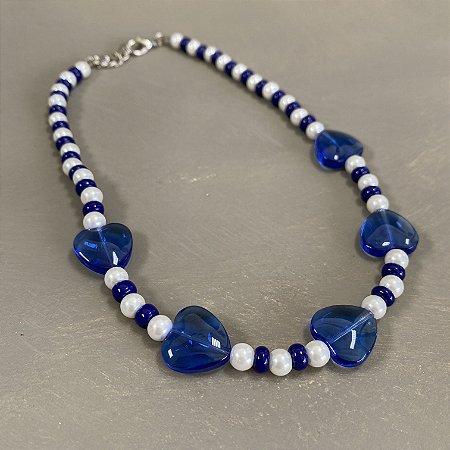 Colar curto de pérolas e vidro(tipo murano) azul bic.