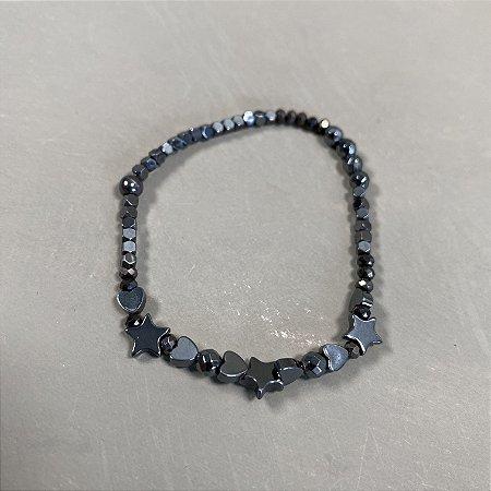 Pulseira de cristais tchecos lapidados chumbo e entremeios de metal banhado grafite.