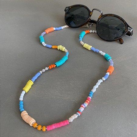 Cordão de óculos e cordão de máscara de miçangas e borrachinhas indianas multicores.