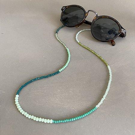 Cordão de óculos e cordão de máscara de cristais tchecos lapidados degradê verde.