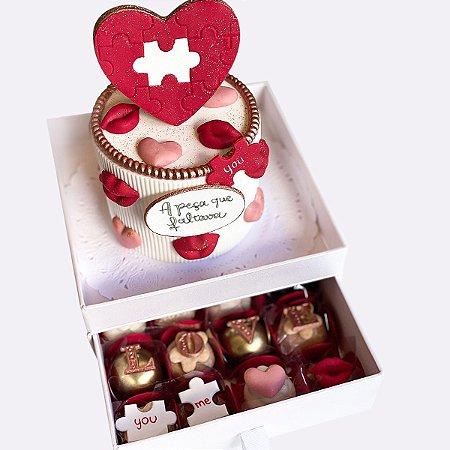 Mini bolo A peça que faltava 10cm  + 16 doces