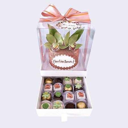 Mini bolo Flores 10cm  + 16 doces