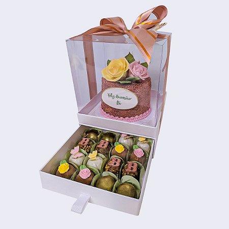 Mini bolo Rosas + 16 doces