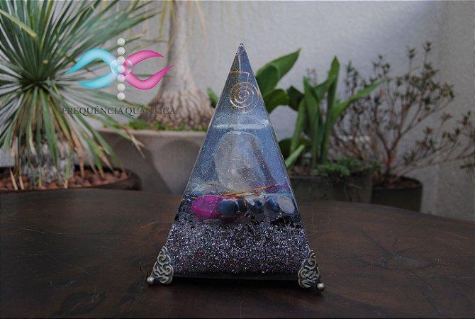 Pirâmide de Orgonite Sho Ku Rey