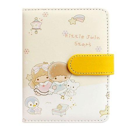 Caderno Brochura Com Folhas Ilustradas e Fecho Magnético Soft Touch Anjinhos Amarelo