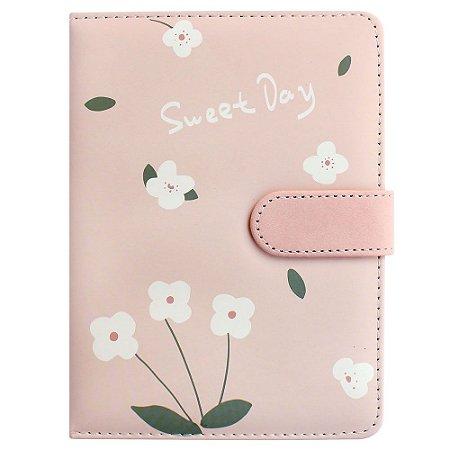 Caderno Brochura Com Folhas Ilustradas e Fecho Magnético Soft Touch Flores Rosa