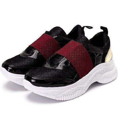 Tênis Sneakers Chuncky Elástico Em Nobucado Preto Com Verniz Preto E Ouro