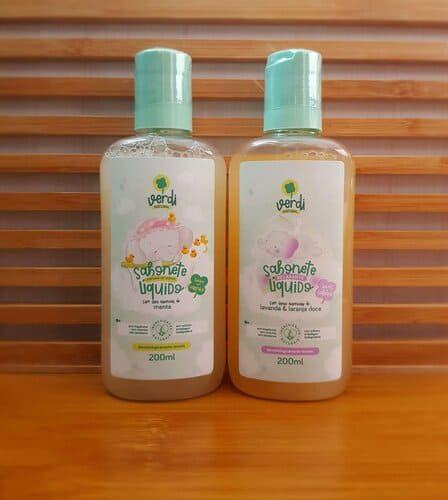 Kit Verdi - 1 (Um) Sabonete Líquido e Shampoo Infantil Relaxante - 200 mL - 1 (Um) Sabonete Líquido e Shampoo Infantil Espuma de Vapor -  200 mL - Verdi