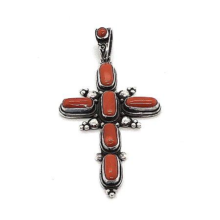 Pingente cruz em coral
