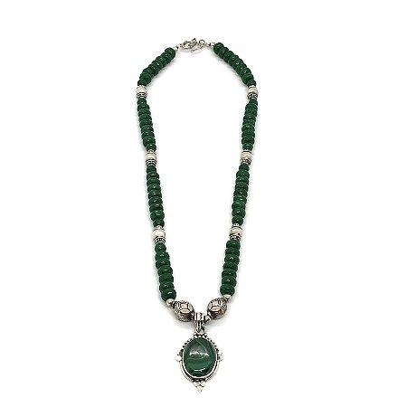 Colar ônix verde pedras facetadas com peças trabalhadas em prata 925 e pingente em malaquita