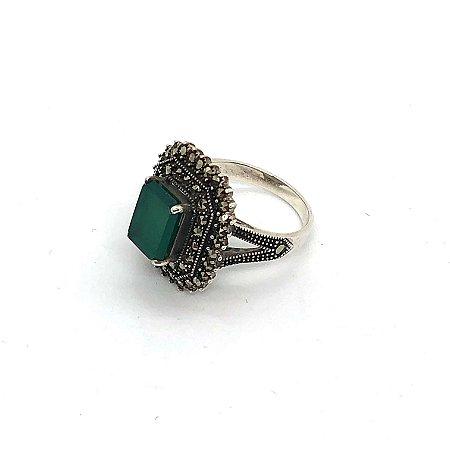 Anel ônix verde retangular pequena com marcassitas e prata 925