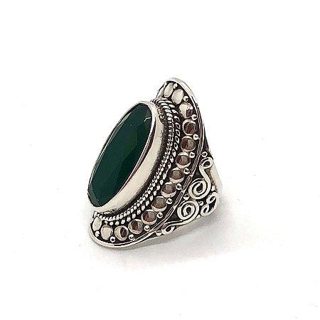Anel ônix verde pedra oval com prata 925 trabalhada