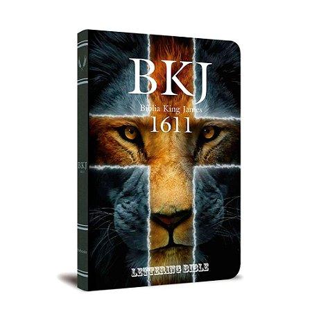 BÍBLIA KING JAMES 1611 ULTRAFINA LETTERING BIBLE LEÃO