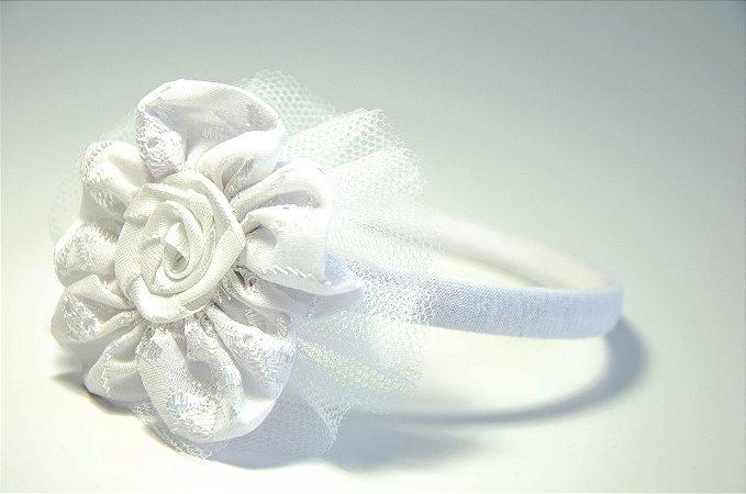 Tiara Branca com Apliques