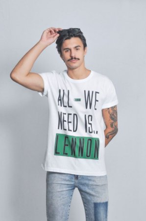 Camiseta Masculina All We Need Is.. Lennon