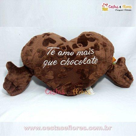 Coração de Pelúcia Chocolate 65cm x 35cm