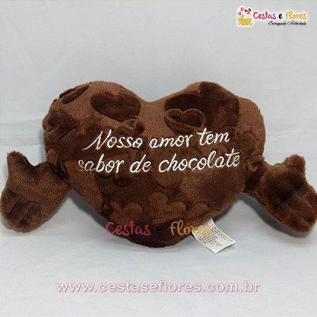 Coração de Pelúcia Chocolate 40cm x 22cm - Te Amo