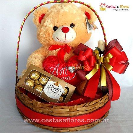 Cesta de Chocolates e Pelúcia com Coração + Chocolate Ferrero Rocher 100gr
