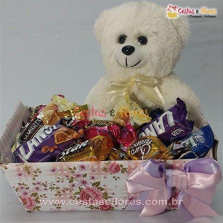 Cesta Mini - Chocolates e Pelúcia