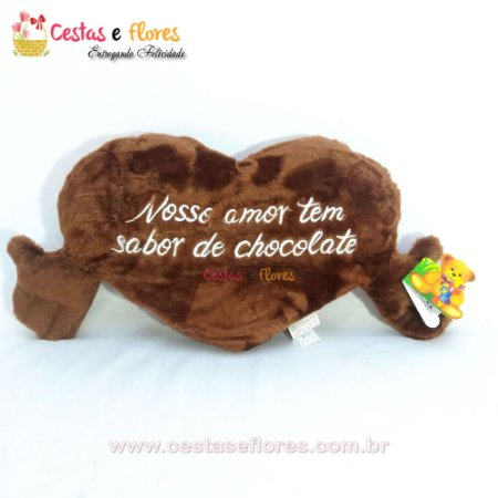 Coração de Pelúcia Cheirinho de Chocolate - Nosso Amor tem Sabor de Chocolate