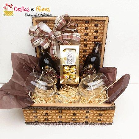 Cesta Baden Baden Chocolate + Ferrero Rocher + Taça de Vidro
