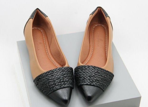 Pointed Chord - Black and Nude