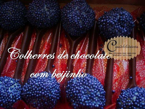 COLHERES DE CHOCOLATE
