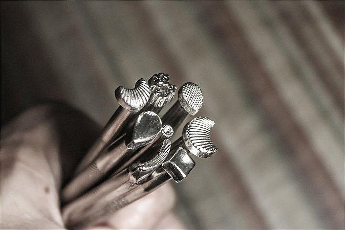 Kit Estampos Simples - 8 peças - Pinos de Bordar