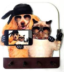 Porta chaves madeira selfie 4 pinos - Tatuagem mania - 11,5x13,5cm