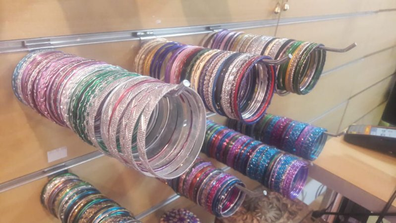 kit com 10 pulseiras coloridas sortidas