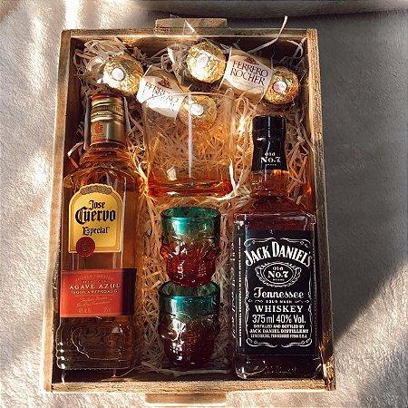 Cesta Bebida Whisky e Tequila Dose dos Sonhos  cod K013