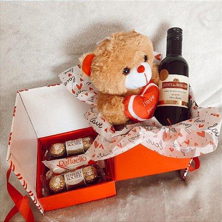 Caixa Surpresa romântica com Urso vinho e Ferrero cod CA010