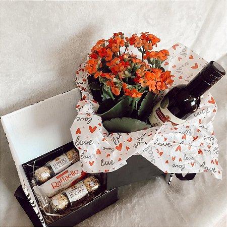 Caixa Romance delicado com Flor Mini Vinho e Ferrero  Cod CA011