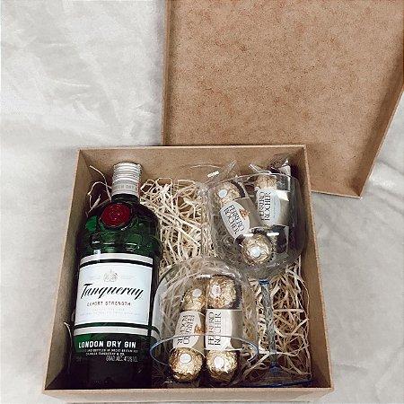 Caixa Gin e Taças Personalizadas com Ferrero  Cód CA015