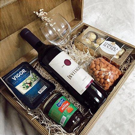 Caixa Rústica Vinho com Geleia e Ferrero Cod CA039