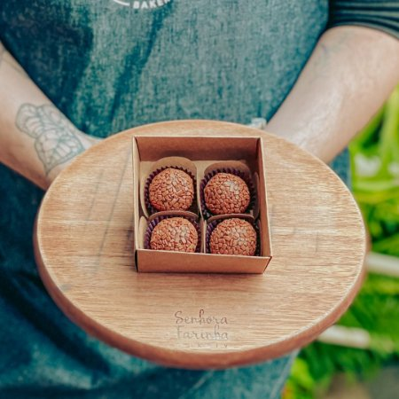 Caixa 4 Brigadeiros - Chocolate Belga