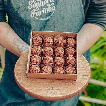 Caixa 16 Brigadeiros - Chocolate Belga